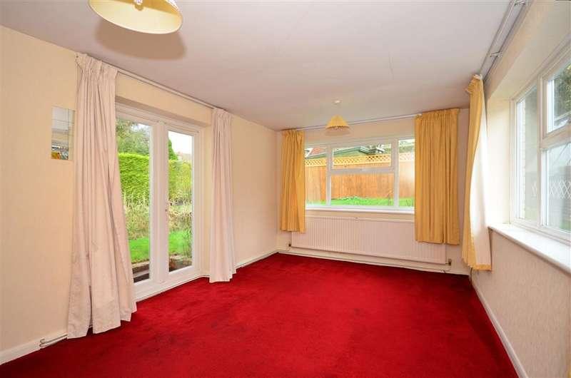 3 Bedrooms Bungalow for sale in Mount Pleasant, Effingham, Leatherhead, Surrey