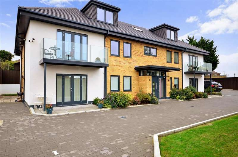 1 Bedroom Ground Flat for sale in Lowe Close, Chigwell, Essex