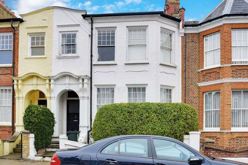 2 Bedrooms Flat for sale in Knightland Road, London