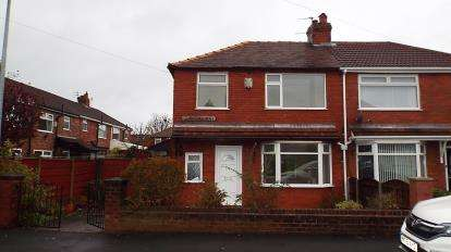 3 Bedrooms Semi Detached House for sale in Thirlmere Drive, Little Hulton, Manchester, Greater Manchester