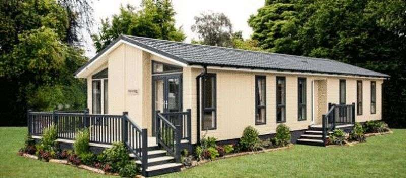 3 Bedrooms Bungalow for sale in Wigmore Lakes, Wattlesborough, Shrewsbury, Shropshire, SY5 9DU