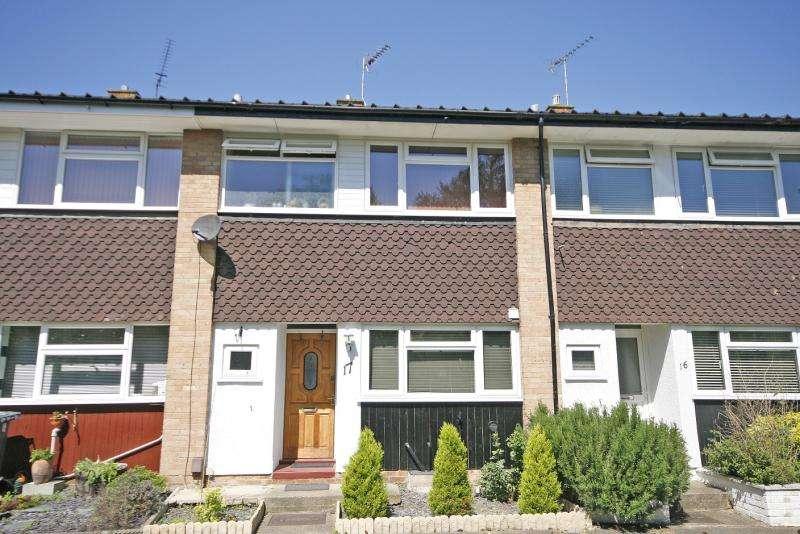 3 Bedrooms Terraced House for sale in Burn Close, Addlestone, Surrey, KT15