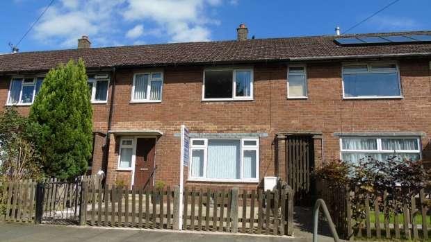 3 Bedrooms Terraced House for sale in Manor Drive Hebden Bridge