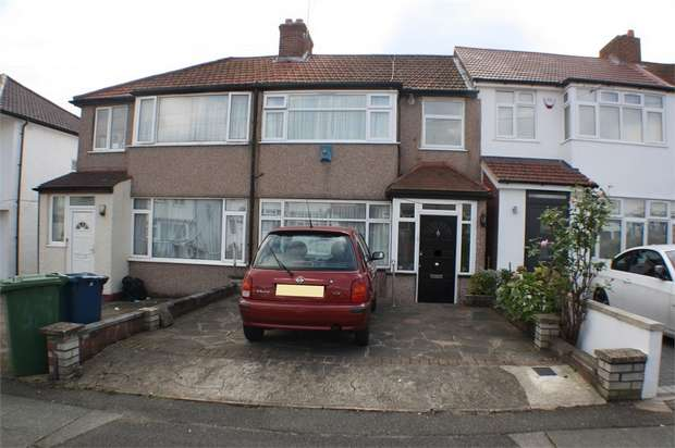 3 Bedrooms Terraced House for sale in Whistler Gardens, EDGWARE, Middlesex