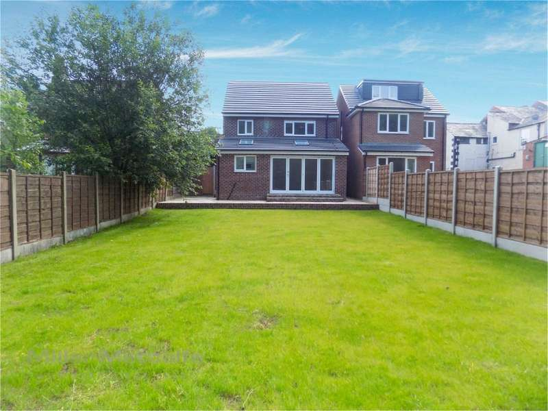 3 Bedrooms Semi Detached House for sale in Church Street, Adlington, Chorley, Lancashire