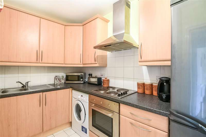 2 Bedrooms Apartment Flat for sale in Peach Street, Wokingham, Berkshire, RG40