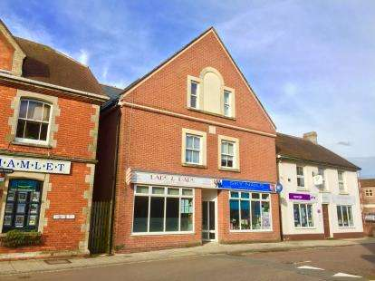 1 Bedroom Flat for sale in Newbury, Gillingham