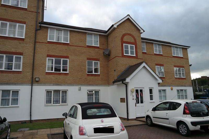 1 Bedroom Flat for sale in Clarence Close, New Barnet