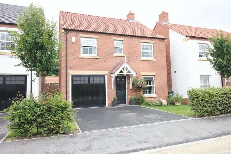 4 Bedrooms Detached House for sale in Longbridge Drive, Easingwold