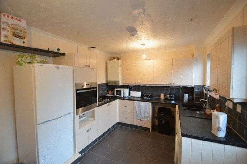 4 Bedrooms Terraced House for sale in Holworthy Road, West city