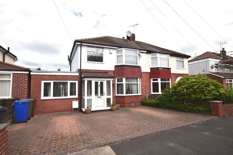 3 Bedrooms Semi Detached House for sale in Alexander Drive, Unsworth