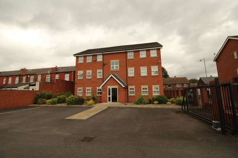 2 Bedrooms Flat for sale in Lancaster Street, Radcliffe, Manchester, M26