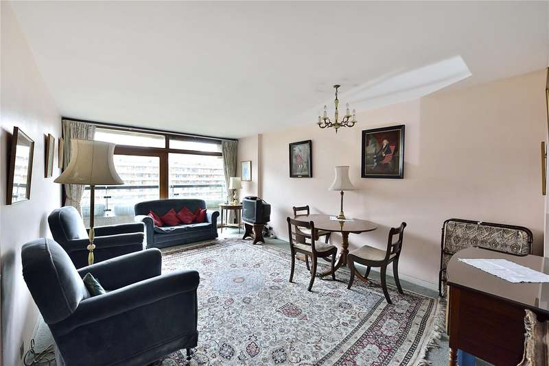 2 Bedrooms Flat for sale in Defoe House, Barbican, City Of London, EC2Y