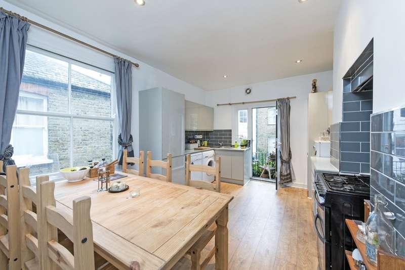 2 Bedrooms Flat for sale in Bolingbroke Mansions, Bolingbroke Grove, Battersea, London