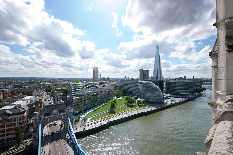 Flat for sale in Cambridge House, One Tower Bridge, Tower Bridge, London SE1