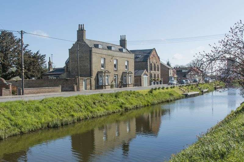 6 Bedrooms Detached House for sale in Lee House, Town Street, Upwell, Norfolk