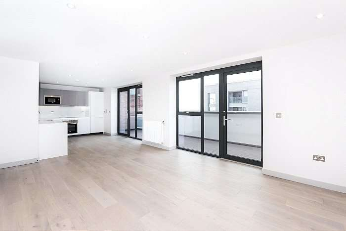 2 Bedrooms Flat for sale in Green Man Lane, London, W13