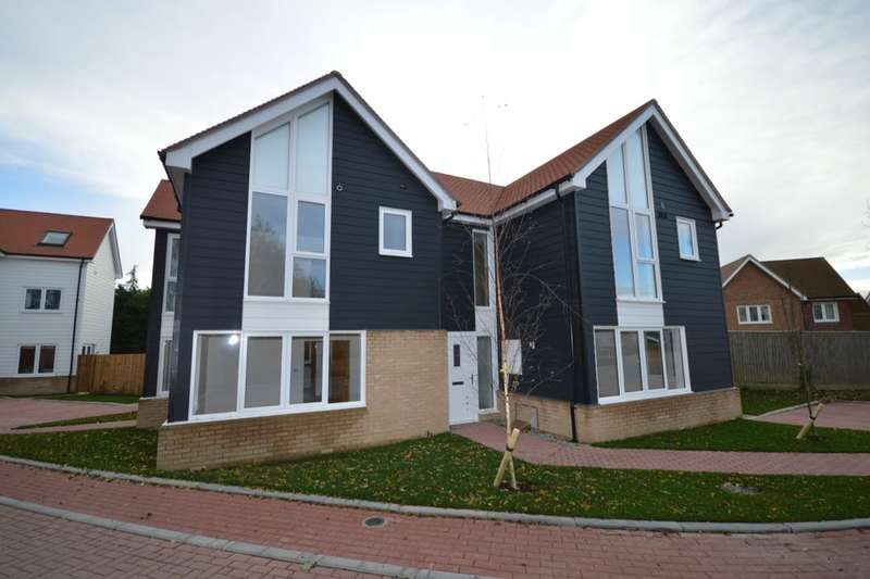 3 Bedrooms Semi Detached House for sale in The Old Goods Yard, Neames Forstal , Faversham, ME13