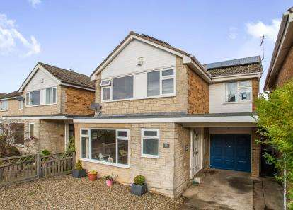 4 Bedrooms Detached House for sale in Farfield Avenue, Knaresborough, North Yorkshire, .