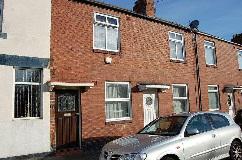 1 Bedroom Flat for sale in ** NEW PRICE ** John Street, Wallsend