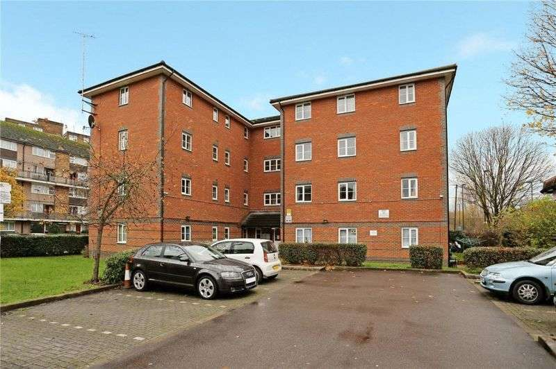 2 Bedrooms Flat for sale in Pelham Place, London