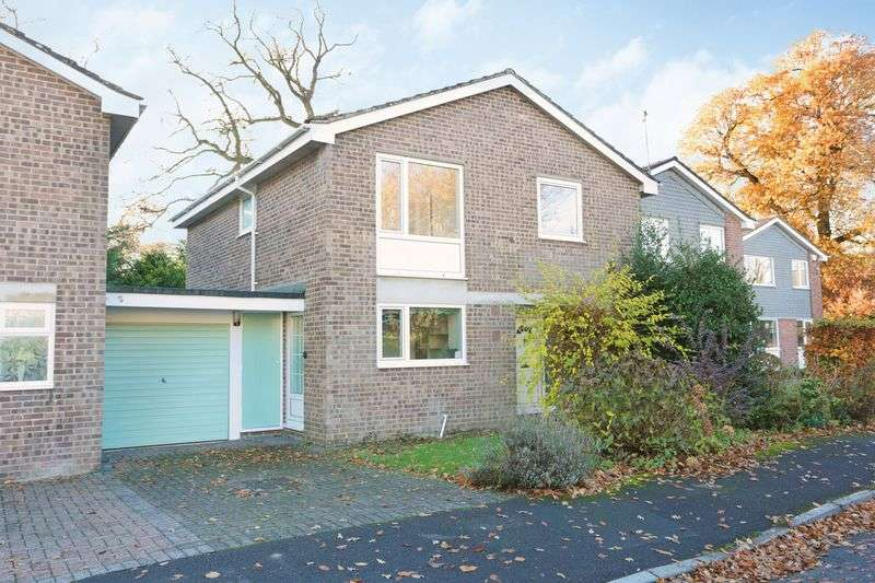 4 Bedrooms Detached House for sale in Broadleas Park, Devizes