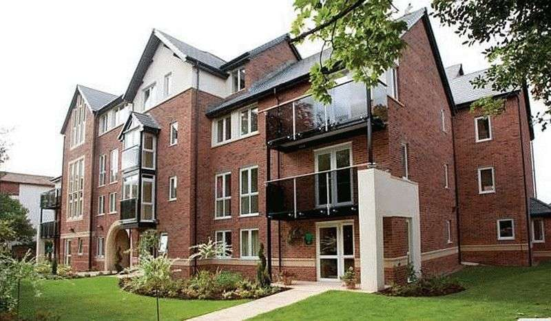 1 Bedroom Flat for sale in Michael Court Oakfield, Sale : ONE bedroom, third floor retirement apartment