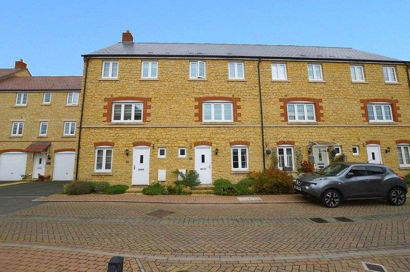 3 Bedrooms Terraced House for sale in Old Tannery Way, Sherborne