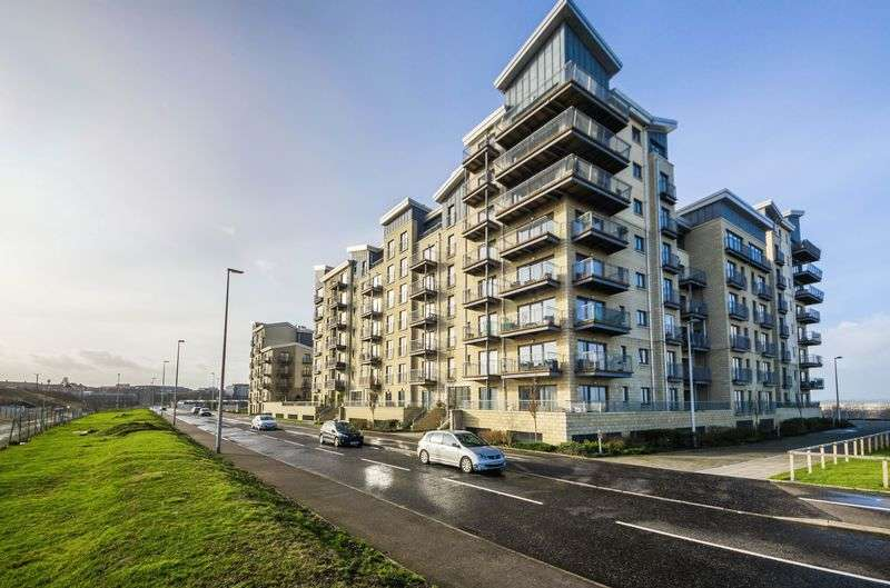 3 Bedrooms Flat for sale in Flat 7, 59 Hesperus Broadway, Granton, Edinburgh, EH5 1FW