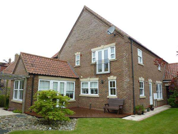 5 Bedrooms Detached House for sale in THE DRIVE, WALTHAM, GRIMSBY