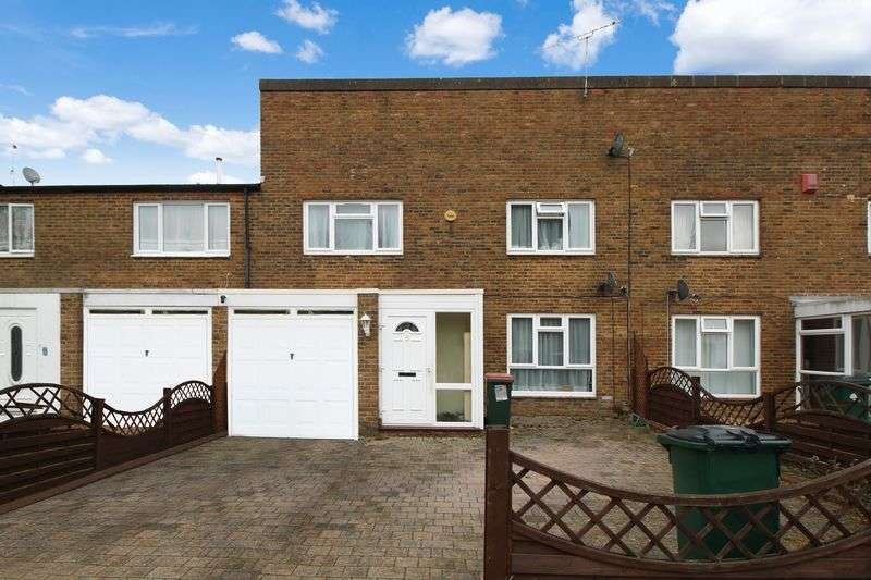 4 Bedrooms Terraced House for sale in Lismore Crescent, Crawley