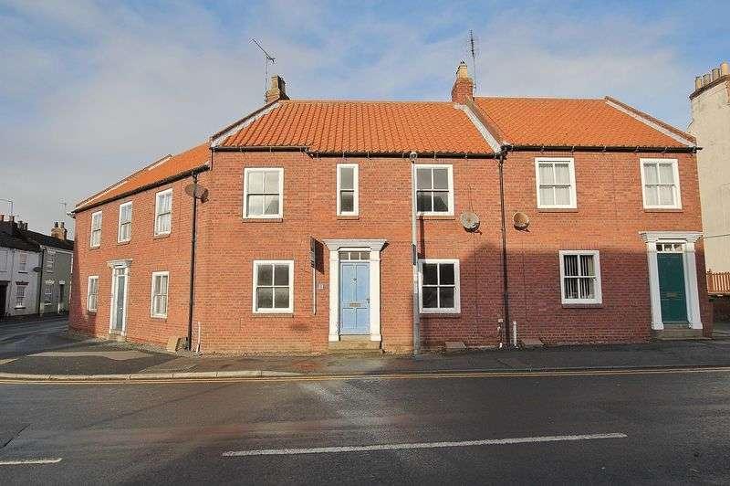 3 Bedrooms Terraced House for sale in King Street, Hornsea