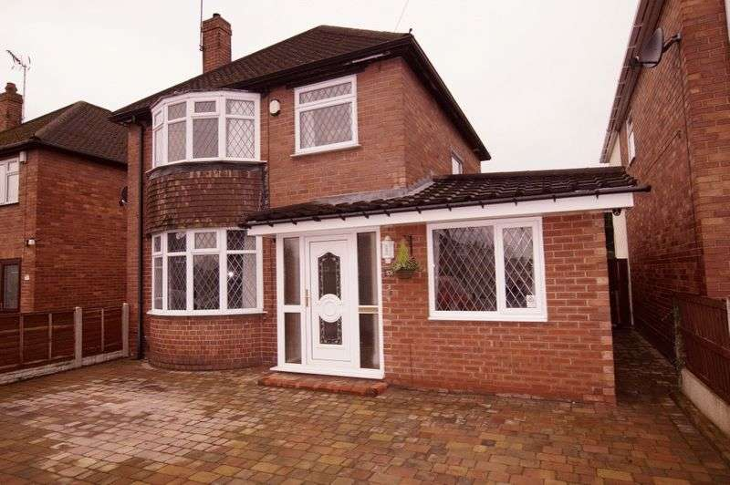 3 Bedrooms Detached House for sale in Eldon Grove, Rhostyllen, Wrexham