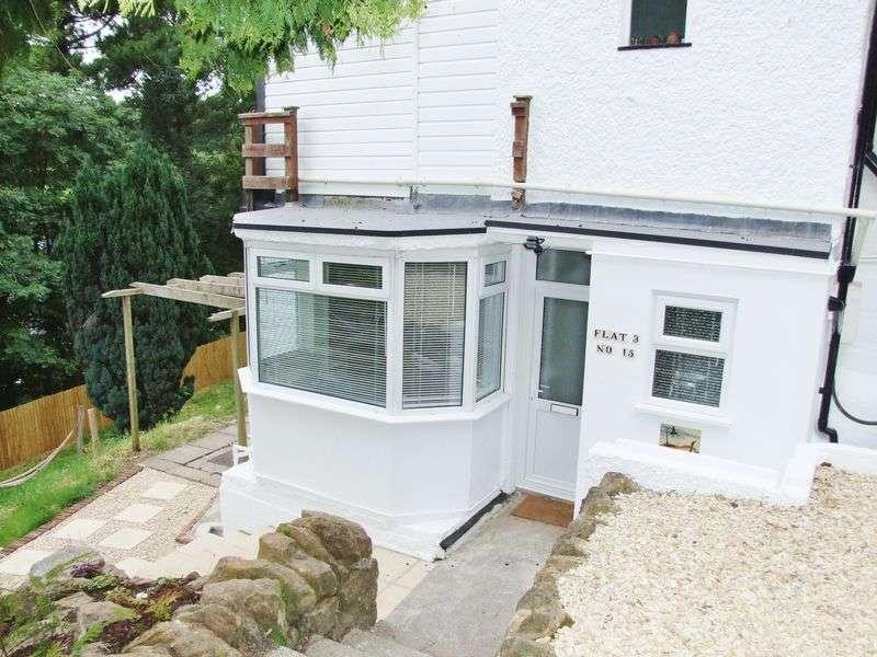2 Bedrooms Flat for sale in Penn Hill, Yeovil