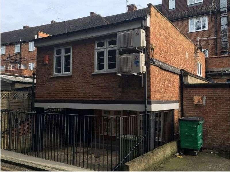 2 Bedrooms Maisonette Flat for sale in Honeypot Lane, Stanmore, Middlesex, HA7 1AR