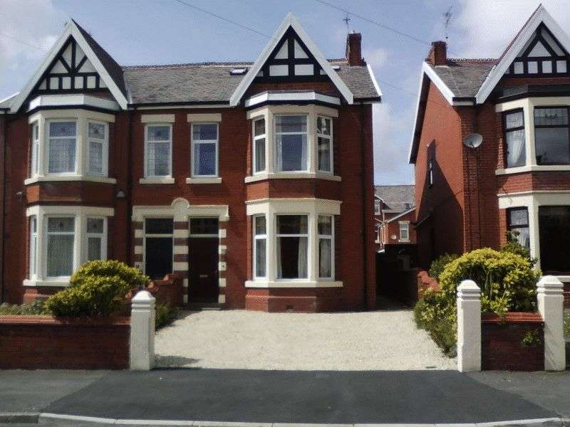 4 Bedrooms Semi Detached House for sale in Beach Avenue, Fairhaven FY8 1BA