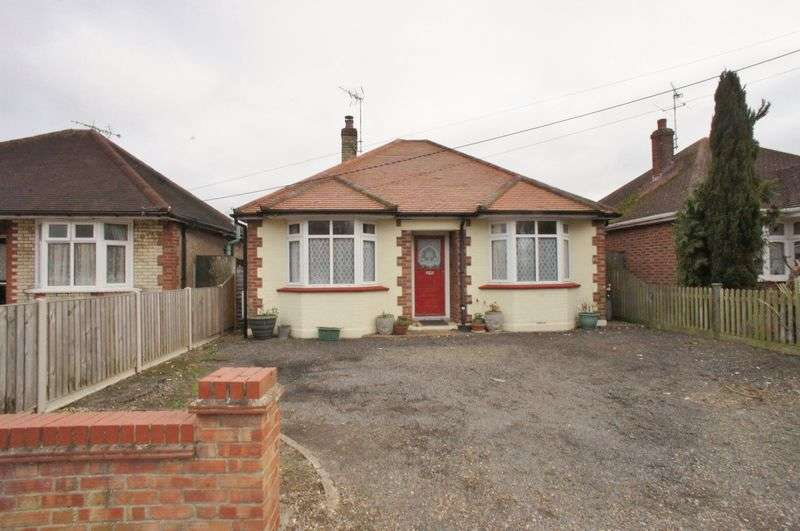 3 Bedrooms Detached Bungalow for sale in Chapel Road, Brightlingsea