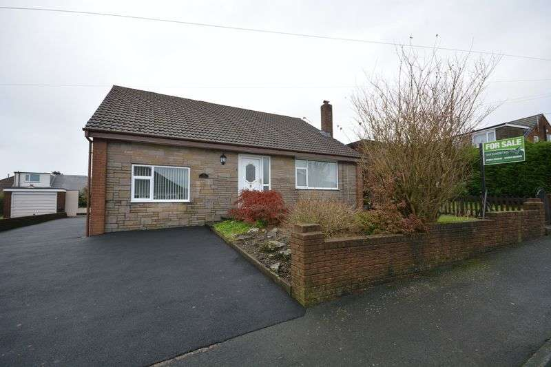 4 Bedrooms Detached House for sale in Thirlmere Drive, Darwen