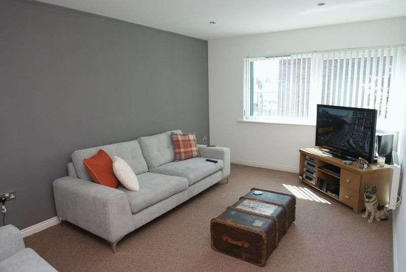 2 Bedrooms Flat for sale in Douglas Court, Douglas Street TS4 2EE
