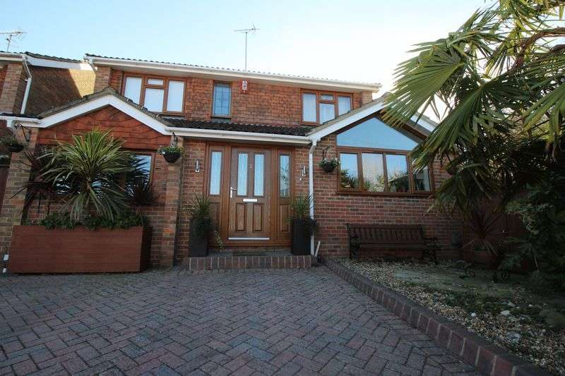 4 Bedrooms Detached House for sale in Millbank, Burgess Hill