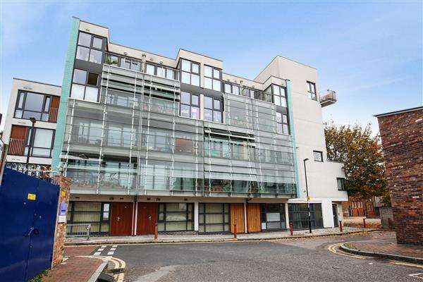 2 Bedrooms Apartment Flat for sale in Hales Street, Deptford