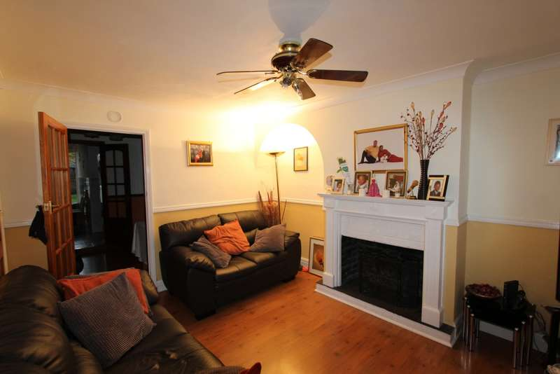 3 Bedrooms Terraced House for sale in Woodside Green, Woodside, SE25
