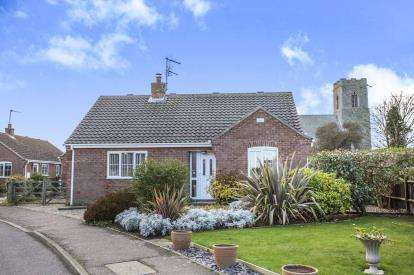 3 Bedrooms Bungalow for sale in Sea Palling, Norwich, Norfolk