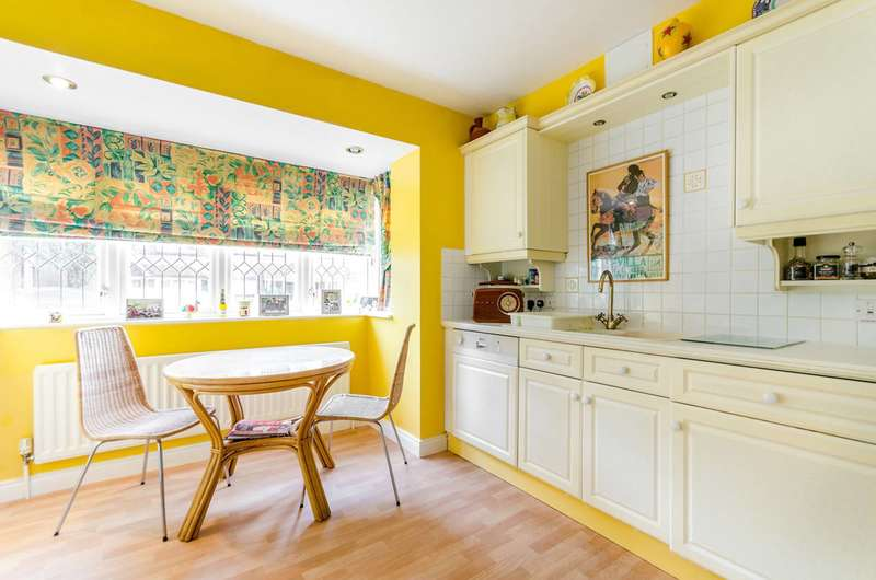 3 Bedrooms House for sale in Southlands Drive, Wimbledon Common, SW19