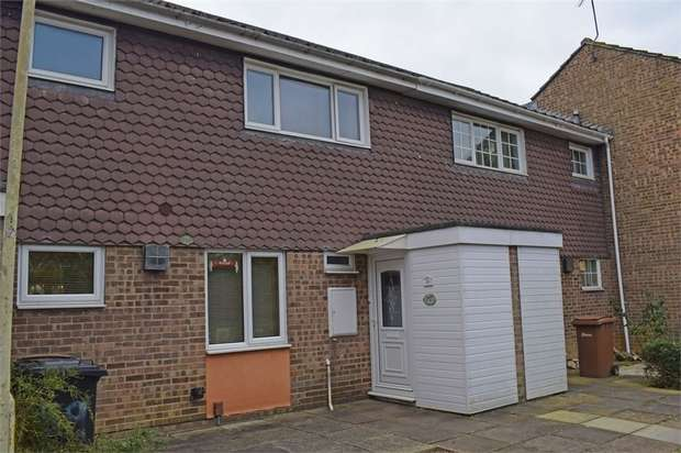 3 Bedrooms Terraced House for sale in St Nazaire Road, Chelmsford, Essex