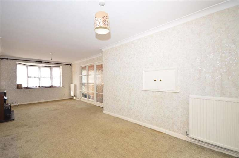 3 Bedrooms Semi Detached House for sale in Edenfield, Birch Hill Park, Birchington, Kent
