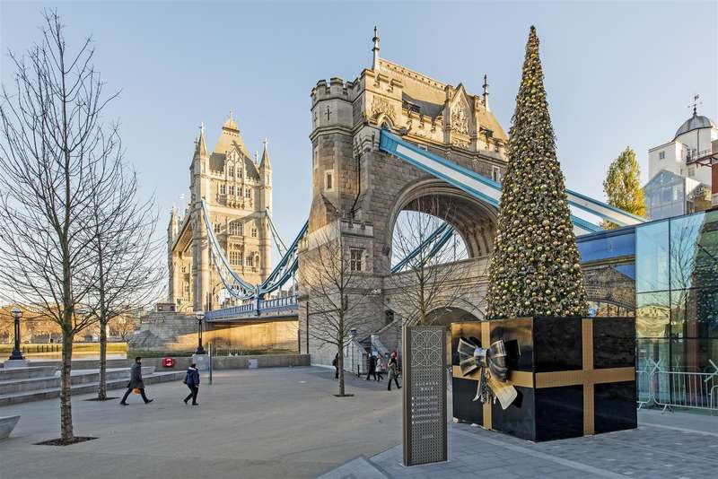 2 Bedrooms Flat for sale in Chatsworth House, One Tower Bridge, Tower Bridge, London SE1