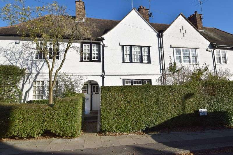 2 Bedrooms Cottage House for sale in Willifield Way, Hampstead Garden Suburb, London NW11