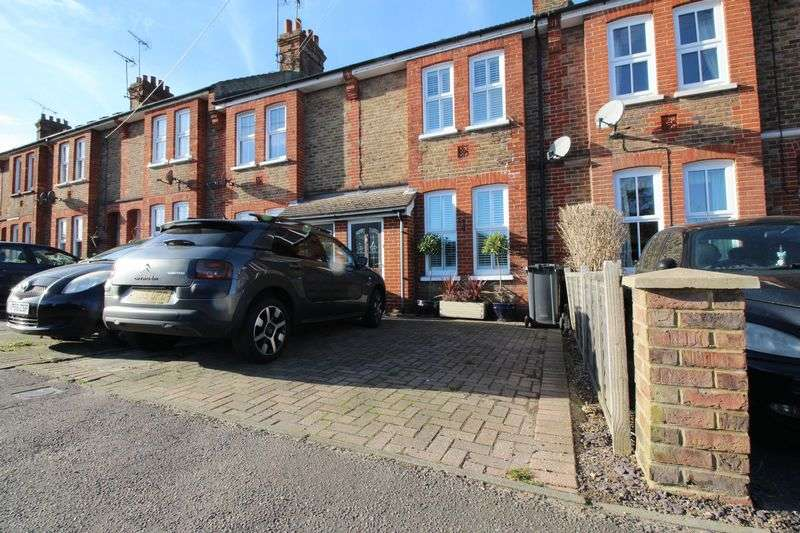 4 Bedrooms Terraced House for sale in Valebridge Road, Burgess Hill