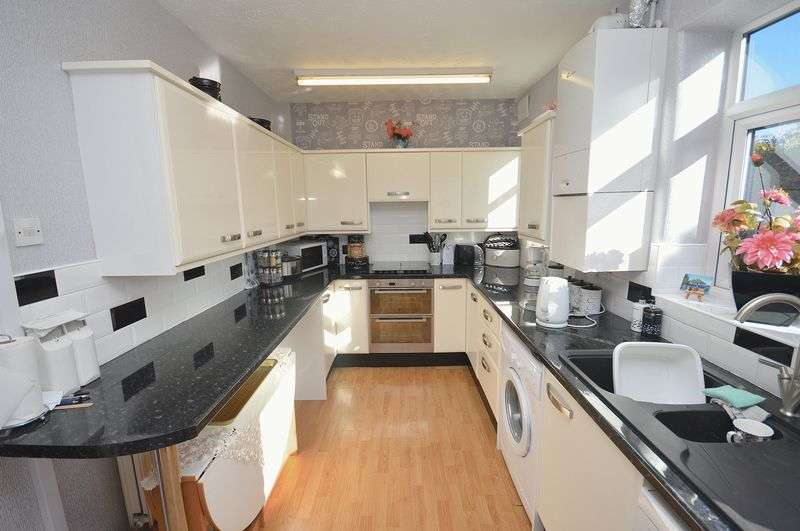 2 Bedrooms Terraced House for sale in Castle Street, Widnes